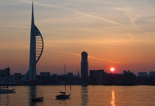 sea tower sunrise harbour portsmouth spinnakertower