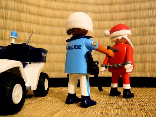 Le Pere Noel arrete // Santa under arrest