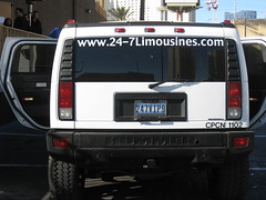 hummer h3(0.0), automobile(1.0), automotive exterior(1.0), sport utility vehicle(1.0), vehicle(1.0), hummer h2(1.0), bumper(1.0), land vehicle(1.0), luxury vehicle(1.0), vehicle registration plate(1.0),