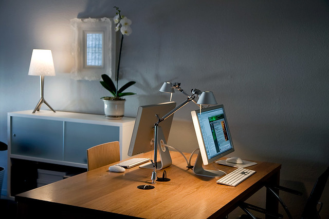 Home Office Dual Desk Setup: Explore Blupics' Photos On