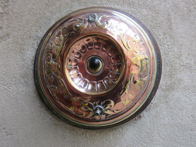 Hotel door bell