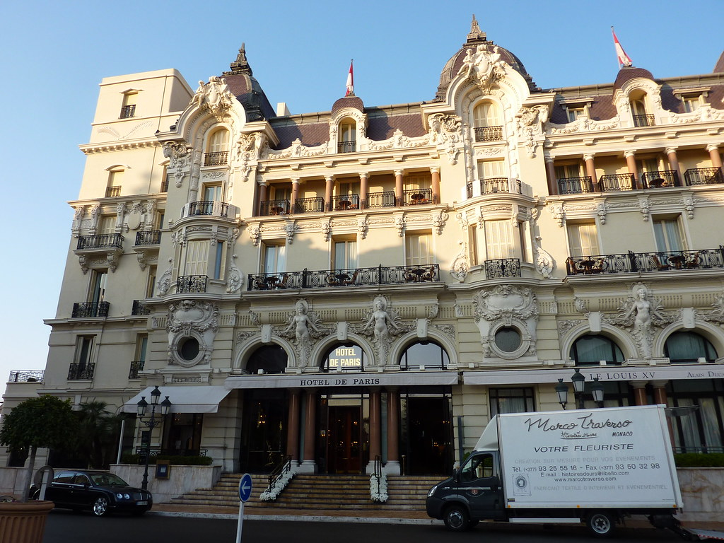 Hotel de paris monte carlo monaco what is is like staying for Hotels monaco