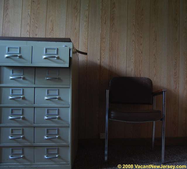 file cabinet definition meaning