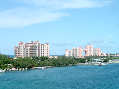 Paradise Island, showing the Reef Atlantis and the Atlantis Resort