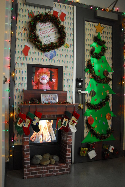 Office Christmas Door Decorating Contest http://www.flickr.com/photos/buckyreed/2183164835/