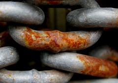 Picture of rusted chain links