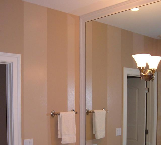 Tan High Gloss Paint Stripe In Bathroom
