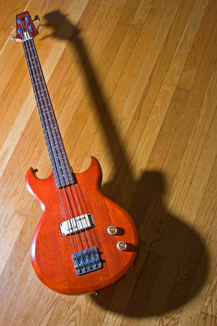 Photo:Aria Pro II Bass By the other Martin Taylor