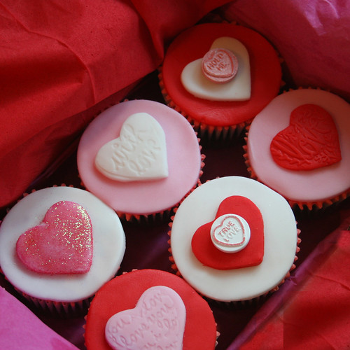 Valentine Cupcakes di clarescupcakes.co.uk