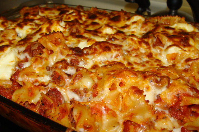 Spaghetti Bake with Mozzerella, Ricotta and bowtie pasta | Flickr ...