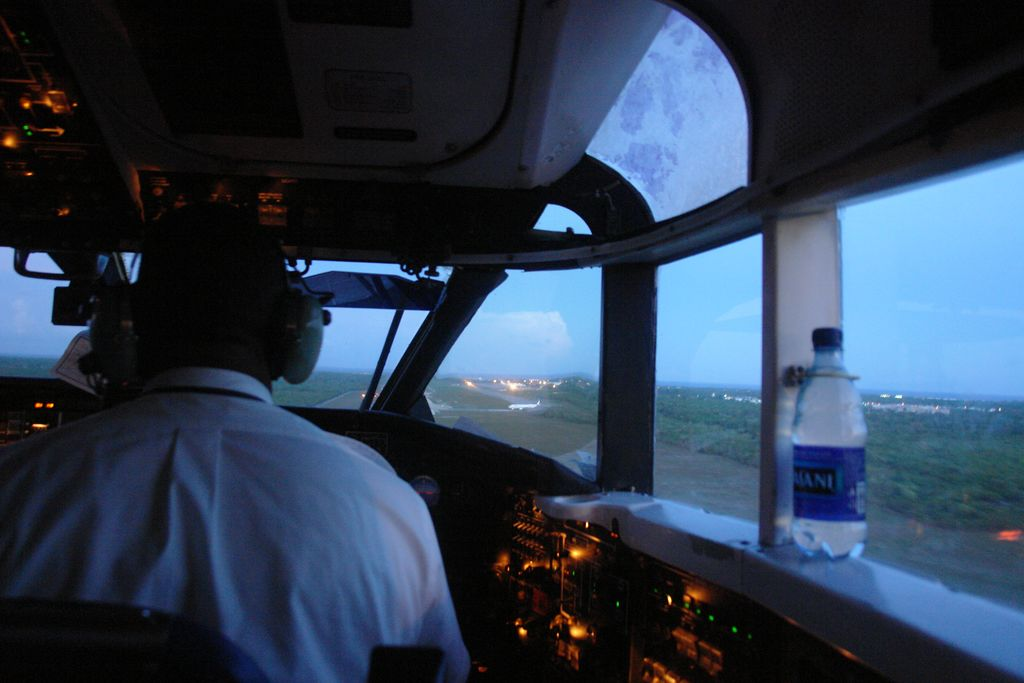 Aterrizando en Samaná Samaná, una península en el Paraíso - 2526698157 3203ab73da o - Samaná, una península en el Paraíso