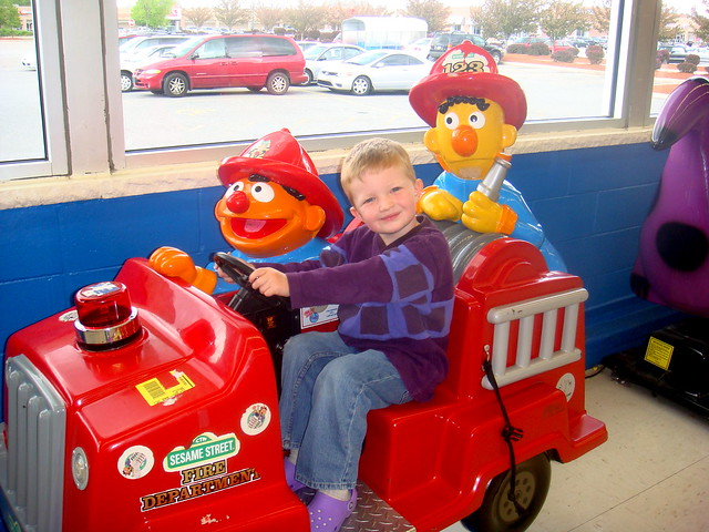 Toys R Us Ride : Wade gets a free ride at toys r us flickr photo sharing