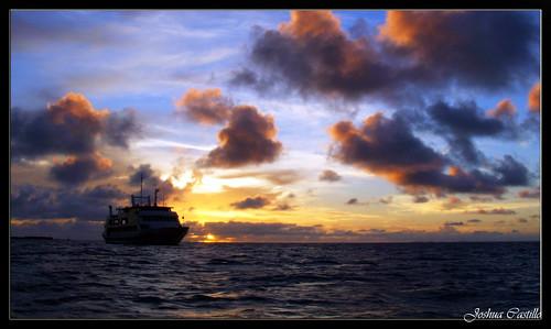 2005 travel sunset sun sol nature fiji night clouds island bikanigardenisland