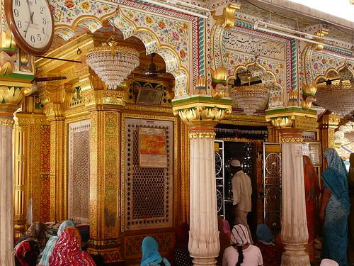Nizamuddin Dargah/shrine