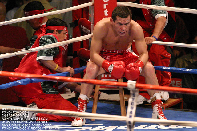 Julio Cesar Chavez vs. Ivan Robinson