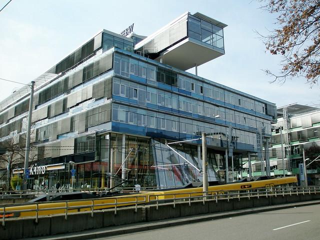 Modern architecture in stuttgart flickr photo sharing for Stuttgart architecture