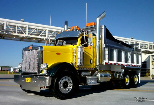 Peterbilt 379 Dump Truck in 1/25th Scale