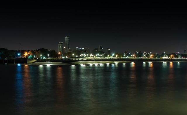 Buenos Aires vista desde el rio. - Buenos Aires seen from the river.