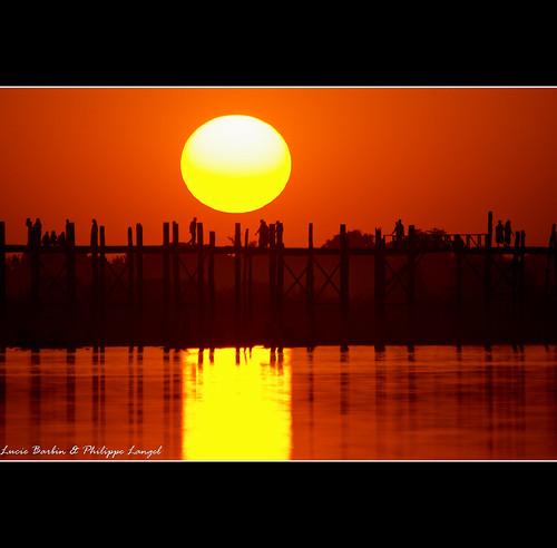bridge sunset sun soleil burma coucher bein sunsets myanmar philippe coucherdesoleil amarapura birmanie langel mywinners goldmedalwinner goldstaraward