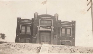 Haanschool1920sfront
