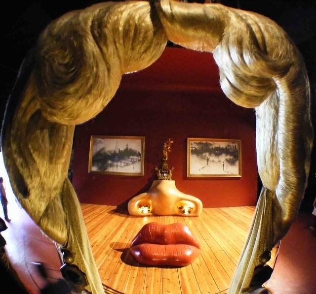 SALVADOR DALI DOMENECH. HABITACION MAE WEST MUSEO DALI FIGUERES (GIRONA)