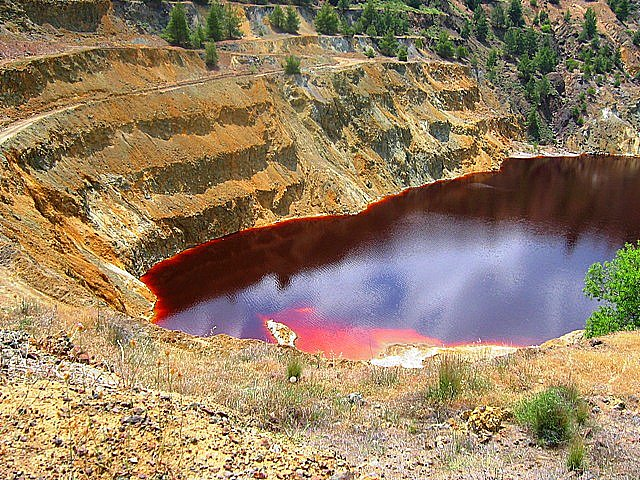 CYPRUS - THE RED LAKE