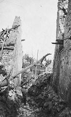 Bataille du Chemin des Dames - rue de Craonelle en 1917 (photo VestPocket Kodak Marius Vasse 1891-1987)