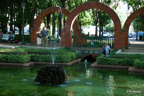 Pamplona calle a calle fotograf as de calles avenidas for Decoracion de parques y jardines