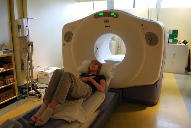 what does a pet scan machine look like
