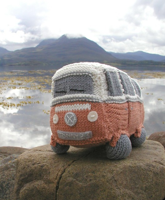 Vw Campervan Knitting Pattern : 3871358109_23b10c705b_z.jpg