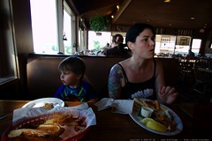 rachel and sequoia having lunch    MG 0255