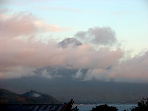 mountain indonesia island volcano islands spice eastern maluku cloves ternate sultanate moluccas halmahera kotamadya