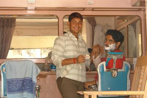 Barbería en las calles de Mandawa Mandawa, La esencia rural de los Haveli - 4068919789 bcfc2d1c42 - Mandawa, La esencia rural de los Haveli