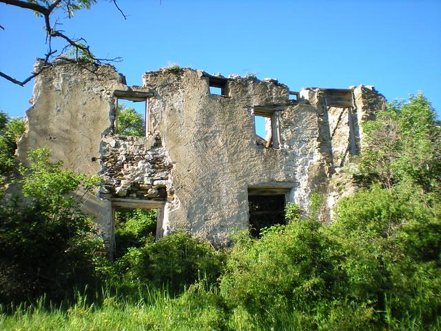 Mosqu e du village abandonn d 39 en nyer une des maisons du flickr - Acheter village abandonne ...