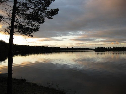 lake finland midnightsun enontekiö canonixus85is