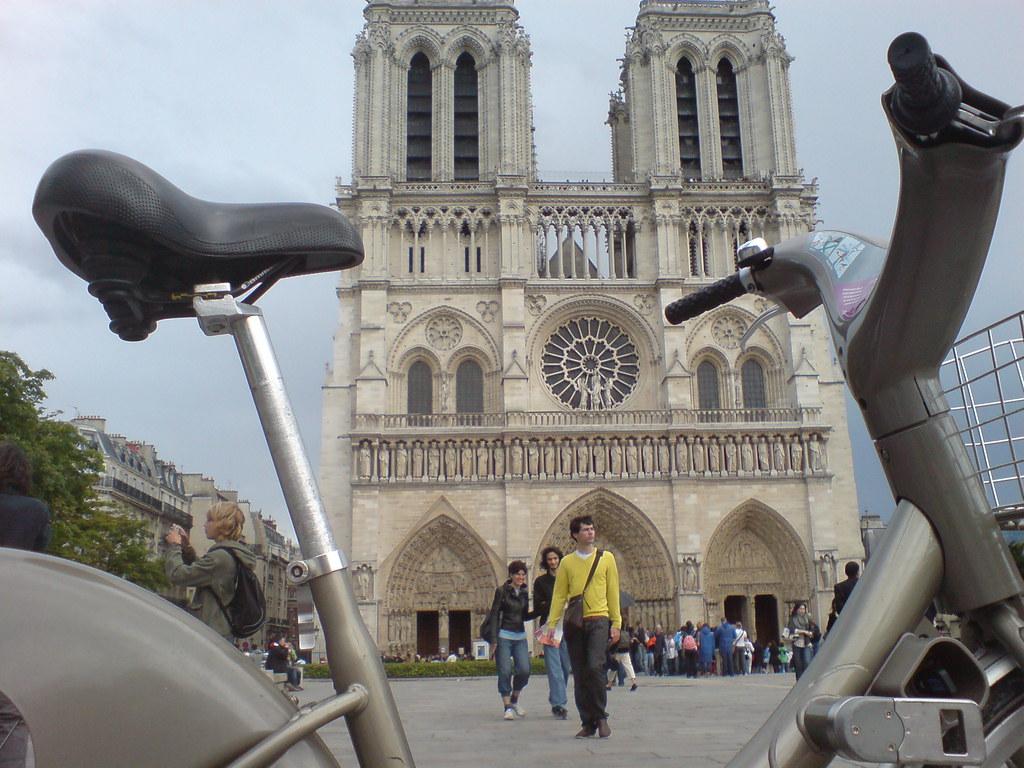 Velib - Notre Dame