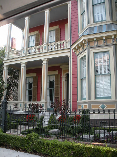 Fine Detailing Can Be Viewed In Garden District Homes Near The Avenue Inn Bed And Breakfast New