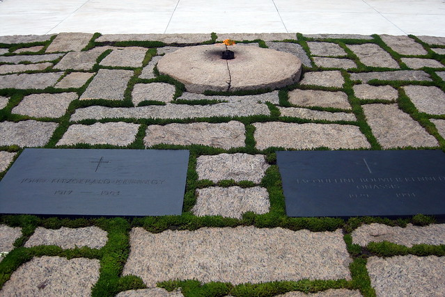 john f kennedy jr grave