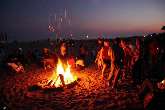 Beach Bonfire   Fiesta Island Rd San Diego Ca