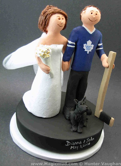 custom wedding cake toppers toronto toronto maple leafs fan s wedding cake topper flickr 13261