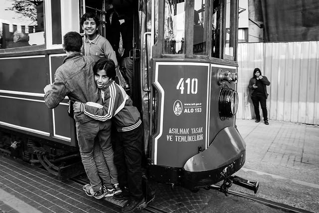 Only Syrians seem happy in Turkey