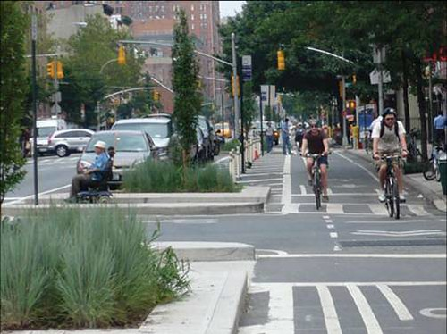 bicycling in Ney York City (courtesy of NYC government)