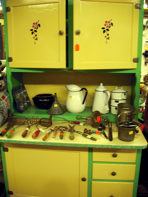 Yellow Green Kitchen : yellow and green kitchen display  why yes cabinet, you can ...