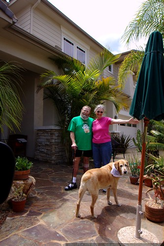 parents and jed saying good bye    MG 3725