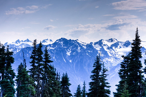 Olympic Mountain Range - photo by Lassi Kurkijarvi