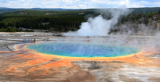 Yellowstone National Park by CC user 72213316@N00 on Flickr