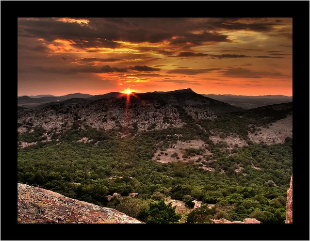 Wichita Mountains by CC user jonathanw100 on Flickr