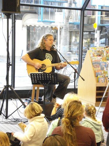Craig Smith performs in the Childrens Library
