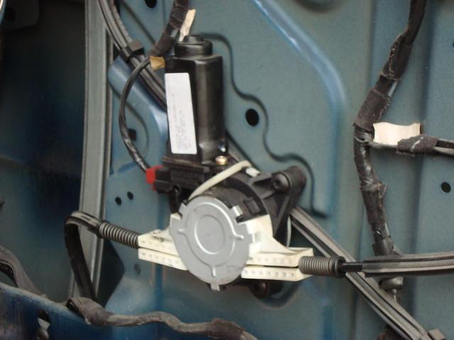 2000 dodge caravan rh front power window motor explore