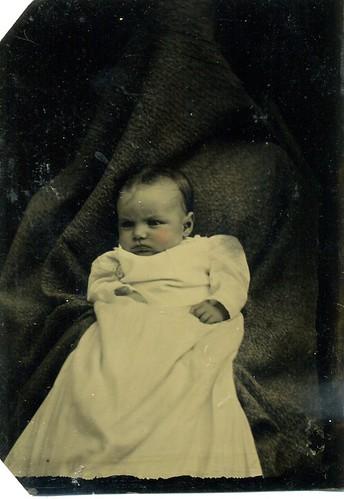TINTYPE HIDDEN MOTHER wiith BABY